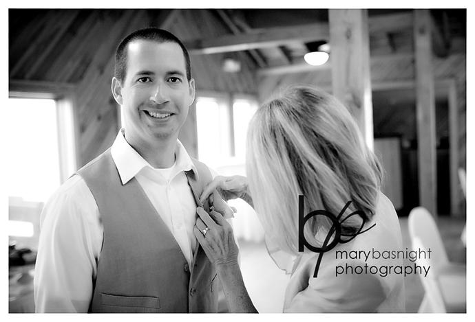 images(c)MaryBasnight-beach-wedding-KittyHawk-02.jpg
